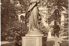 Ms 1848-40 MDV statue 1 cart. post