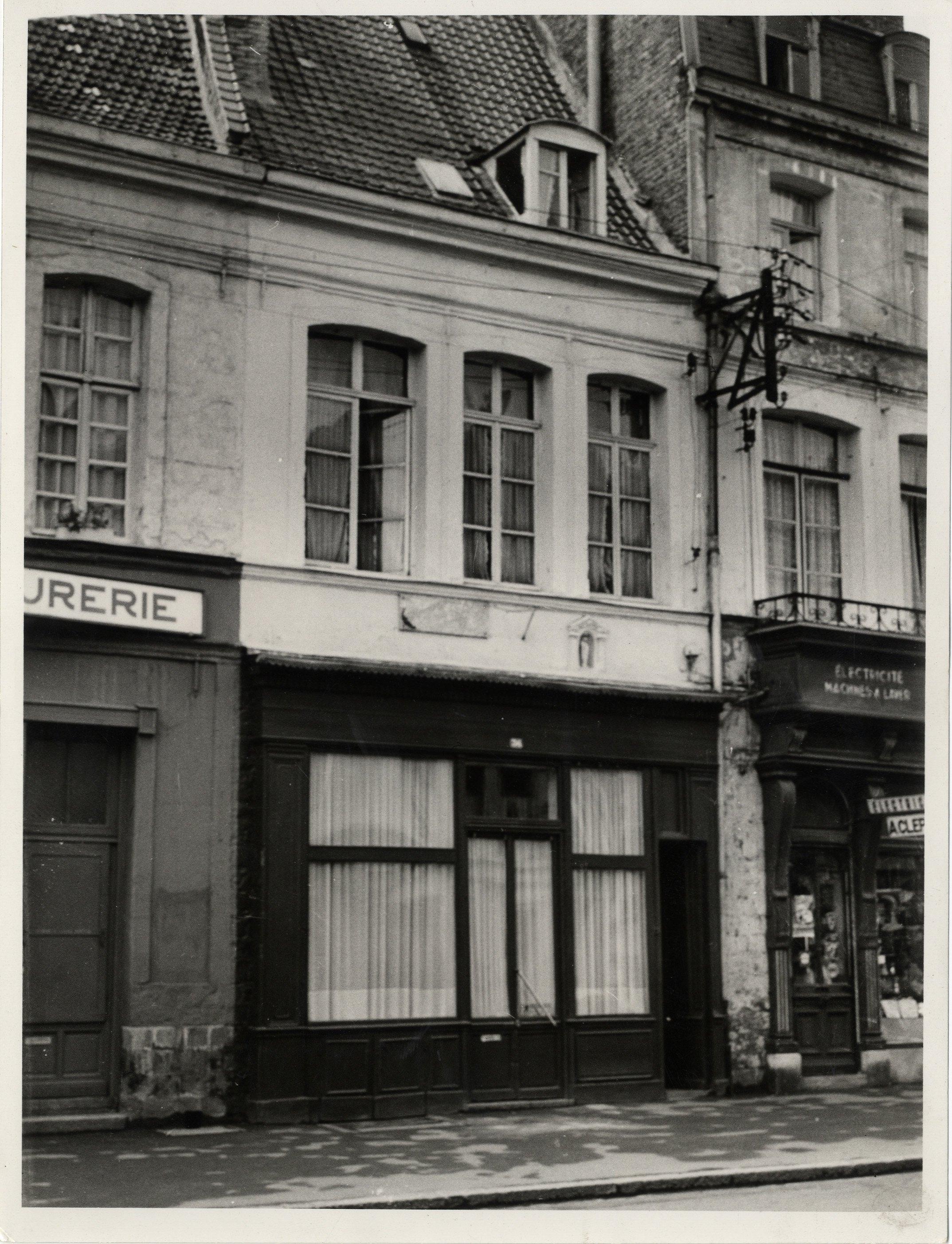 Ms 1848-61-3 vraie maison natale